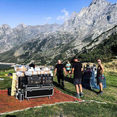 antonio-curo-rifugio-ostello-sushi-play-wall3801A63F44-3EE0-E8E7-666C-28A1FE002642.jpg